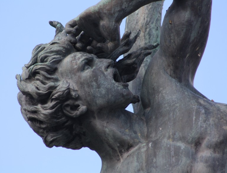 Estatua del Angel Caido